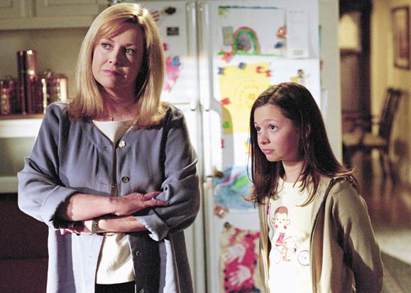 <em>A family discussion, Hicks with on screen daughter Mackenzie Rosman (Ruthie Camden)</em>